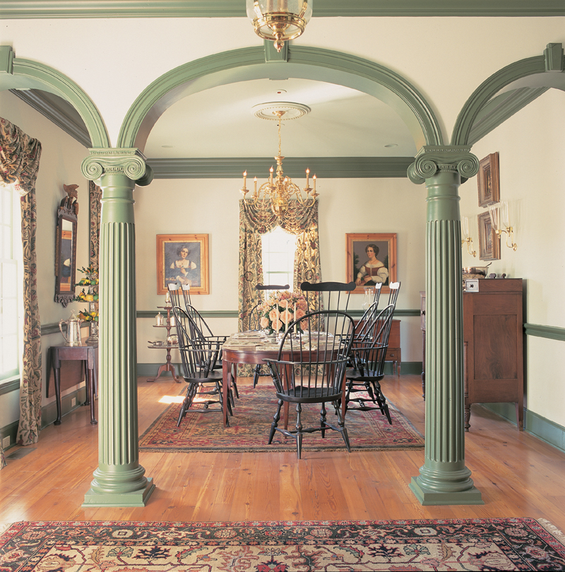Cape Cod and New England Plan Dining Room Photo 01 128D-0004