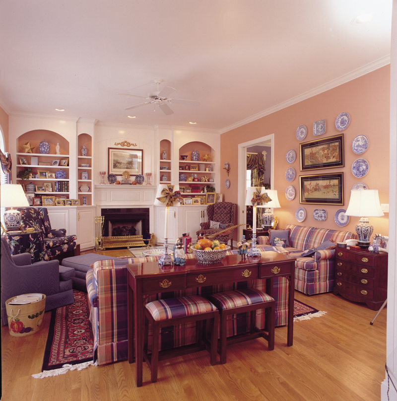 Southern Plantation Plan Great Room Photo 01 128D-0008