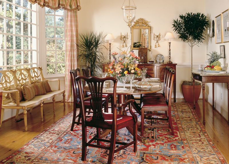 Cape Cod and New England Plan Dining Room Photo 01 128D-0009