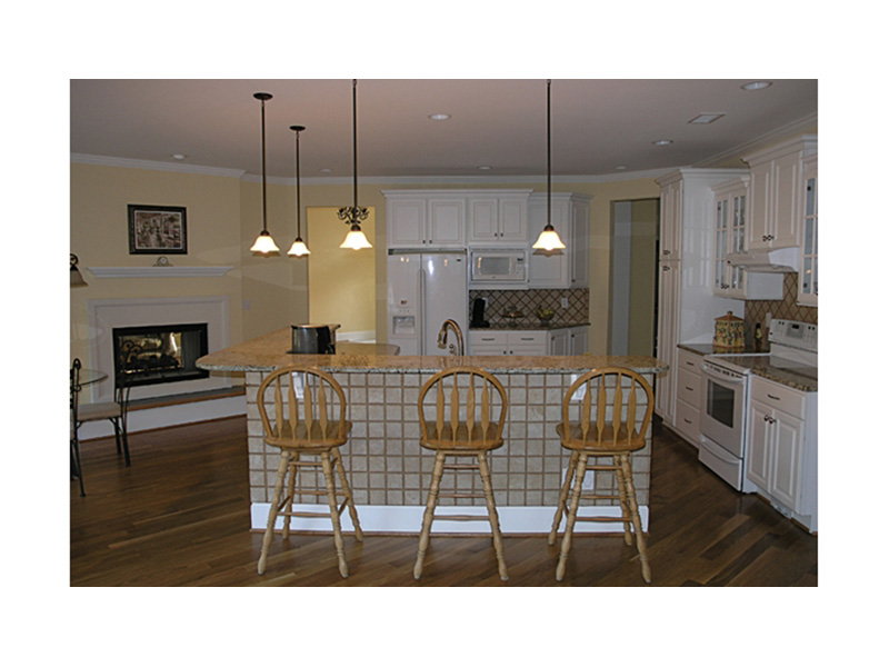 Ranch House Plan Kitchen Photo 01 - 129D-0017 | House Plans and More