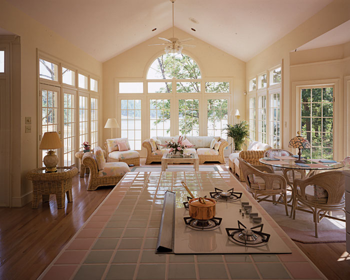 Traditional House Plan Family Room Photo 01 129D-0021
