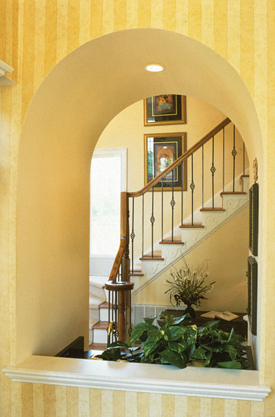Traditional House Plan Stairs Photo 01 129D-0021