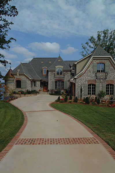 Luxury House Plan Front Photo 02 129S-0003