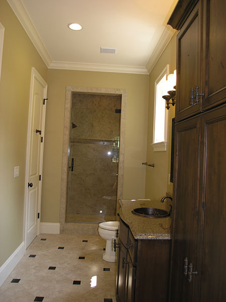 English Cottage Plan Bathroom Photo 01 129S-0005