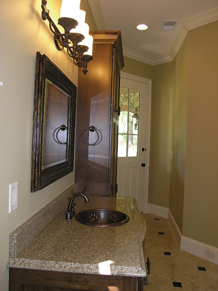 English Cottage Plan Bathroom Photo 02 129S-0005