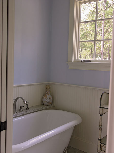English Cottage Plan Bathroom Photo 03 129S-0005