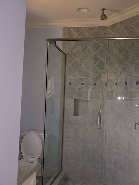 European House Plan Bathroom Photo 04 - 129S-0005 | House Plans and More