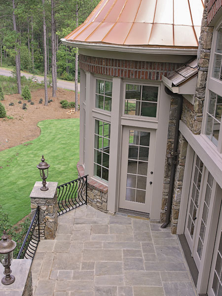 Luxury House Plan Porch Photo 02 129S-0005