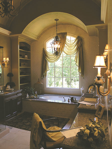 Luxury House Plan Master Bathroom Photo 01 129S-0008