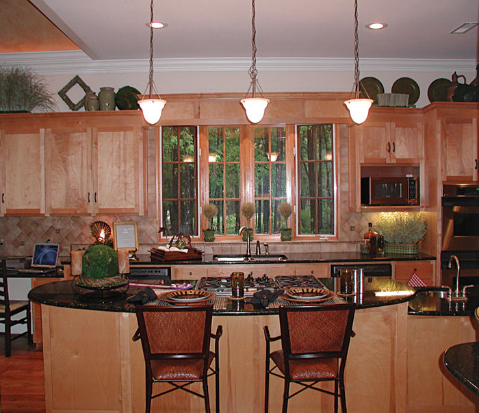 Cabin & Cottage House Plan Kitchen Photo 03 129S-0023
